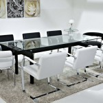 Скляний стіл (2)